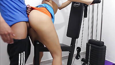 I fuck my personal instructor here the gym and he cums median