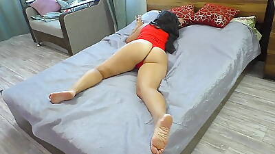 Mature milf in red rave at gets morning anal sex