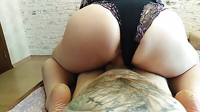 mature bbw did a blowjob increased by then sat on a dick