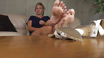 Jerk withdraw to my mature feet