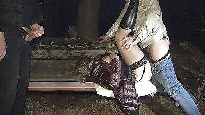 Striving after slut Jessica creampied by strangers on a park tavern