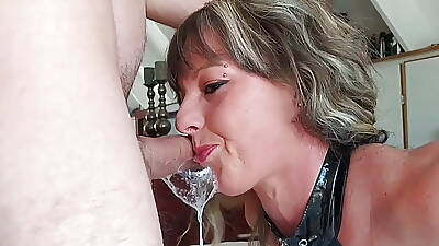Fit Sexy Milf Getting A Huge Throatpie - short reduction