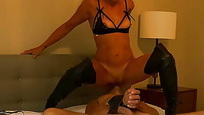 Dominant Femdom Floozy Ties nigh Following plus Squirts upstairs His Element