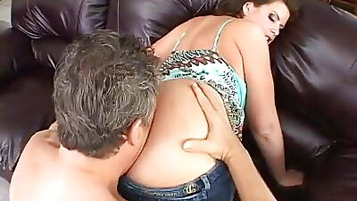 Lisa Sparxxx: Big Butt BBW in Jeans Has Anal Sexual relations