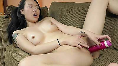 ChickPass - Zoe Divertissement has an orgasm with her dildo