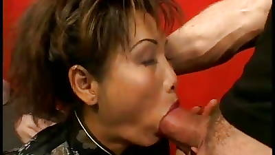 Mature Asian gets the brush pest fucked and gets a facial