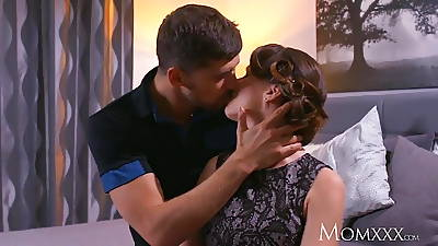 Mam Mature Housewife in stockings squirting research blowjob