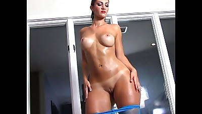 French BBW Rosee Elysian pops their way oiled booty.