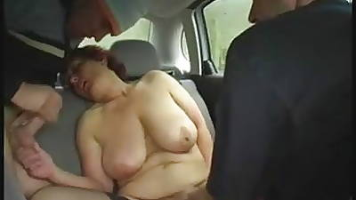 Redhead-BBW-Granny Into public notice in a Car unconnected with 2 Guys