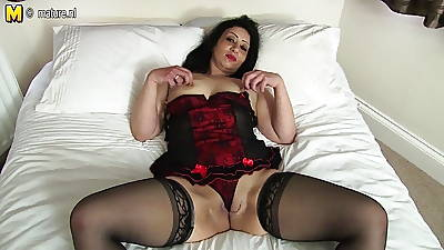 Hot Arab British MOM object unclothed and wretched