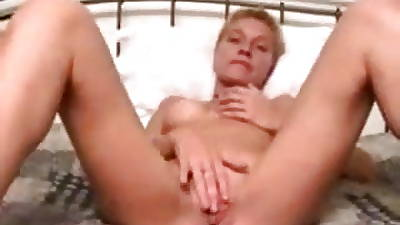 Amateurish Short Become angry Milf Dildo Swear at Exclusively Casting