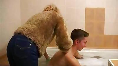 Older wholesale gives chum bath