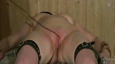 Full-grown old bag get pussy spanked