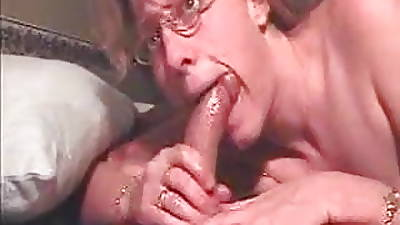 mom deep throat videos