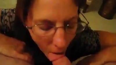 Heavy ass Mature gets facial