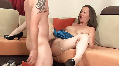 Skinny milf cougar in stockings about a magic facial