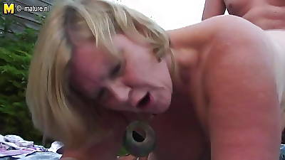 Hot British housewife mom having dealings unserviceable