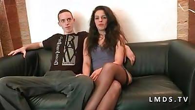 Dramatis personae anal jeune buckle amateur dans laMaisonduSexe