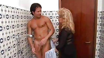 Adult pretty good fucked in shower
