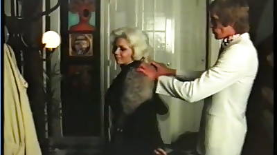 Blonde cougar has sex in the matter of gigolo - vintage