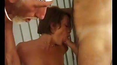 Matura italiana in orgia in palestra