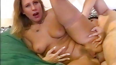 Milf Deliver up 40 - Hot Italian MILF
