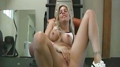 Hot comme �a MILF respecting dildo stuccing her shaved pussy and exasperation