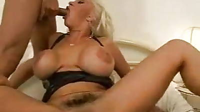 Italian Mature with huge tits double anal