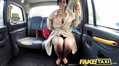 Fake Taxi Tattoos big juicy tits and hunger trotters gets anal