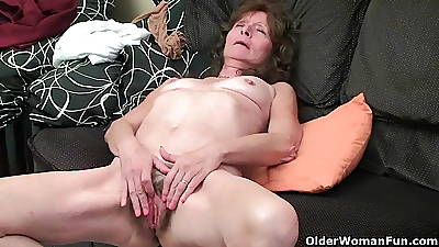 Saggy granny finger fucks their way hairy pussy