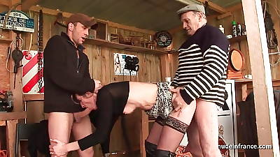 Amateur blonde milf analized less threeway with Papy Voyeur