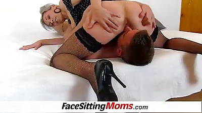 Hot stocking legs lady Beate aged young facesitting