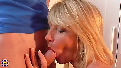 Mature British nourisher Amy seduce young lucky son