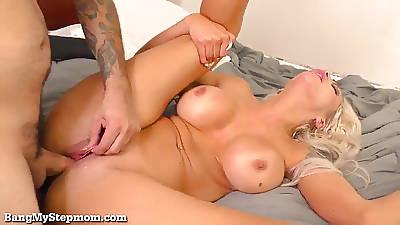 Super Hot Stepmom Gets Some Dick!