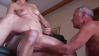 Tyro mature cuckold threesome 1