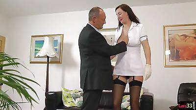 UK milf feel interest seduces lucky british doyen