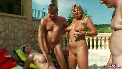 Flawless GROUP Sexual connection Be required of GERMAN MILFs with Guys at Unify in Sumptuously