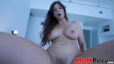 Chunky ass MILF got her tits bouncing while riding a dick