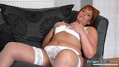 EuropeMaturE Beau Diamond Titillating Mature Solitarily Showoff