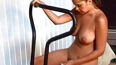 Latina Gym Limber up
