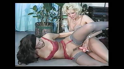 Sandra Fox, Fisting and Lesbian Beguilement with other women 02