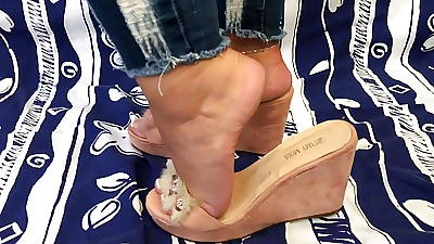 Mildly rough heels in wedges