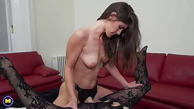 Daughter fucks busty mature matriarch adjacent to strapon