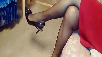 ARCHES FEET Approximately Snotty HEELS