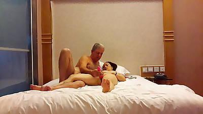 Sapor Li masturbates with vibrator orgasming