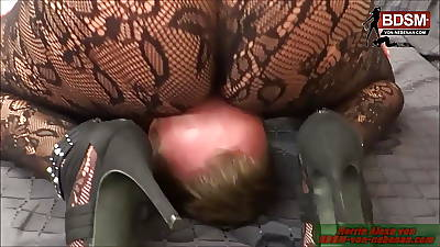 Facesitting in Nylons just about big ass femdom Milf nourisher young gentleman