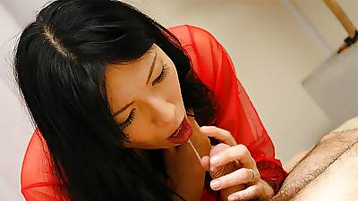 Seductive Japanese cougar, Saya Sakurai made love with a nei